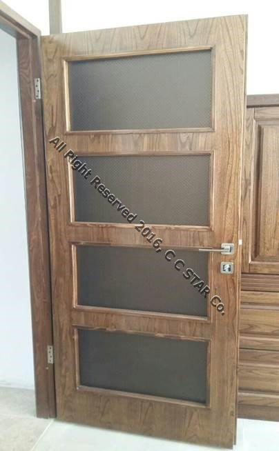 Using Charmineh Choob Star leather covered sheet in door